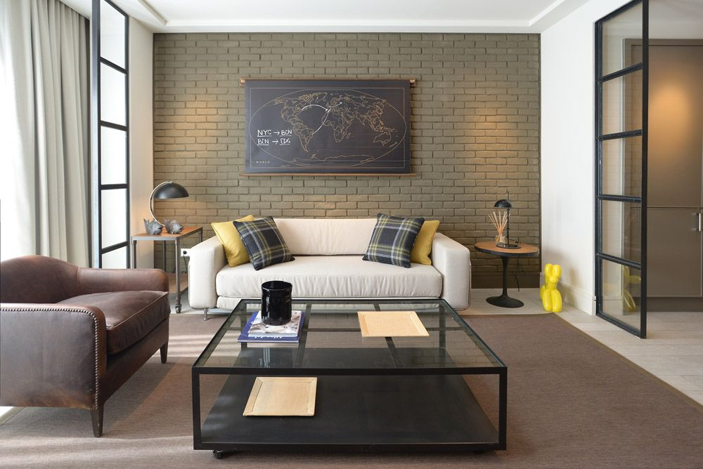 Complete and spacious living rooms with natural light.