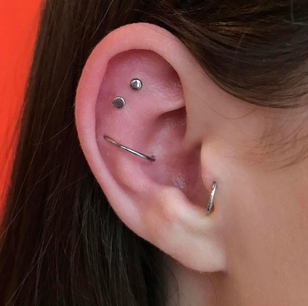 Pro body piercing   Ways to Wear Multiple Earrings Like a Pro aka Zoë Kravitz