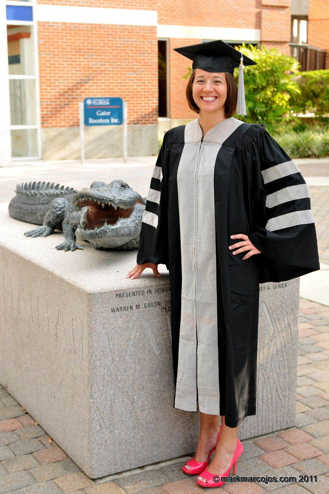 uf graduation poses | congratulations on graduating from the ...