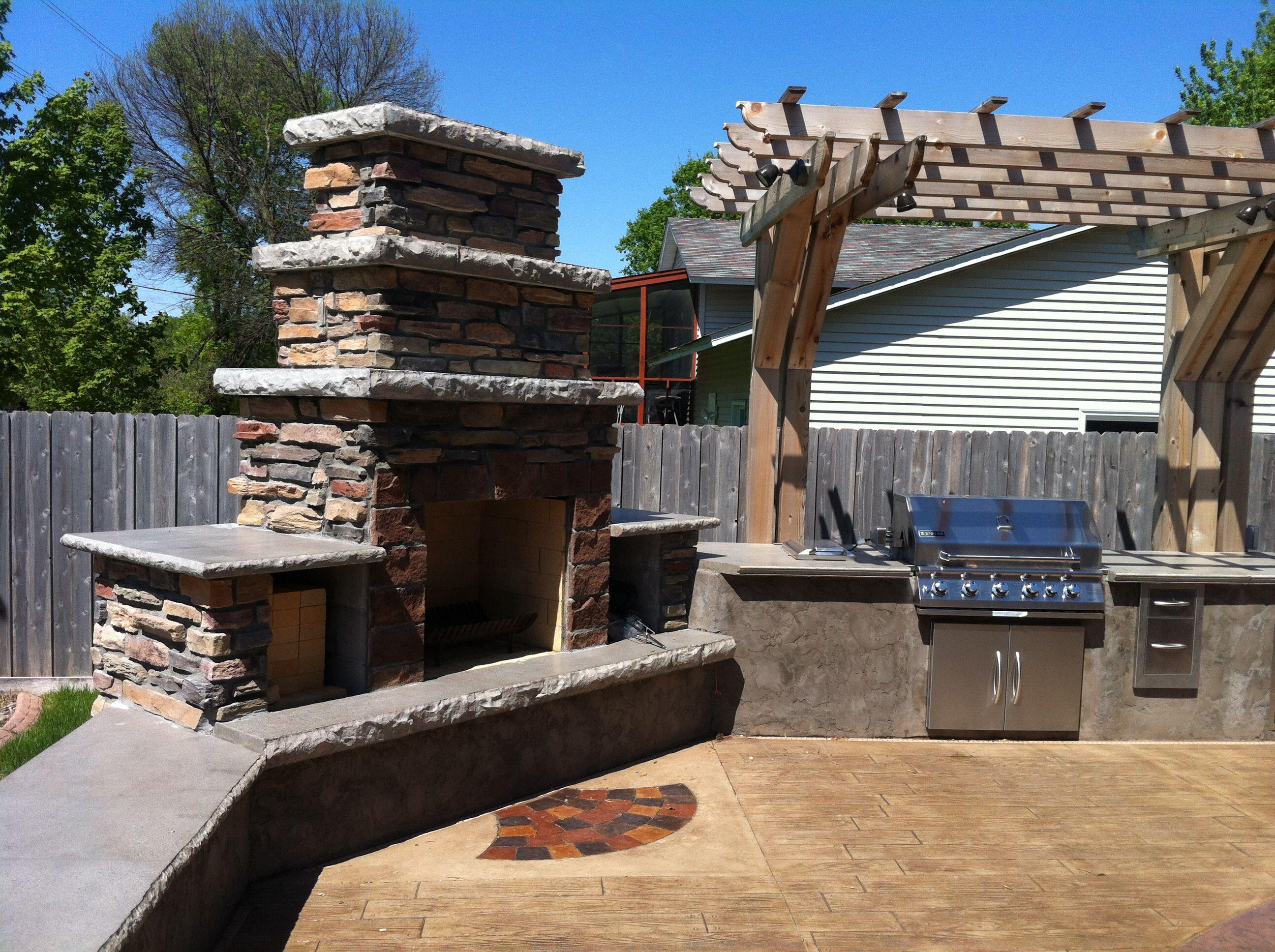 Astonishing Corner Unit Outdoor Fireplace And Kitchen Outdoor Download Free Architecture Designs Rallybritishbridgeorg