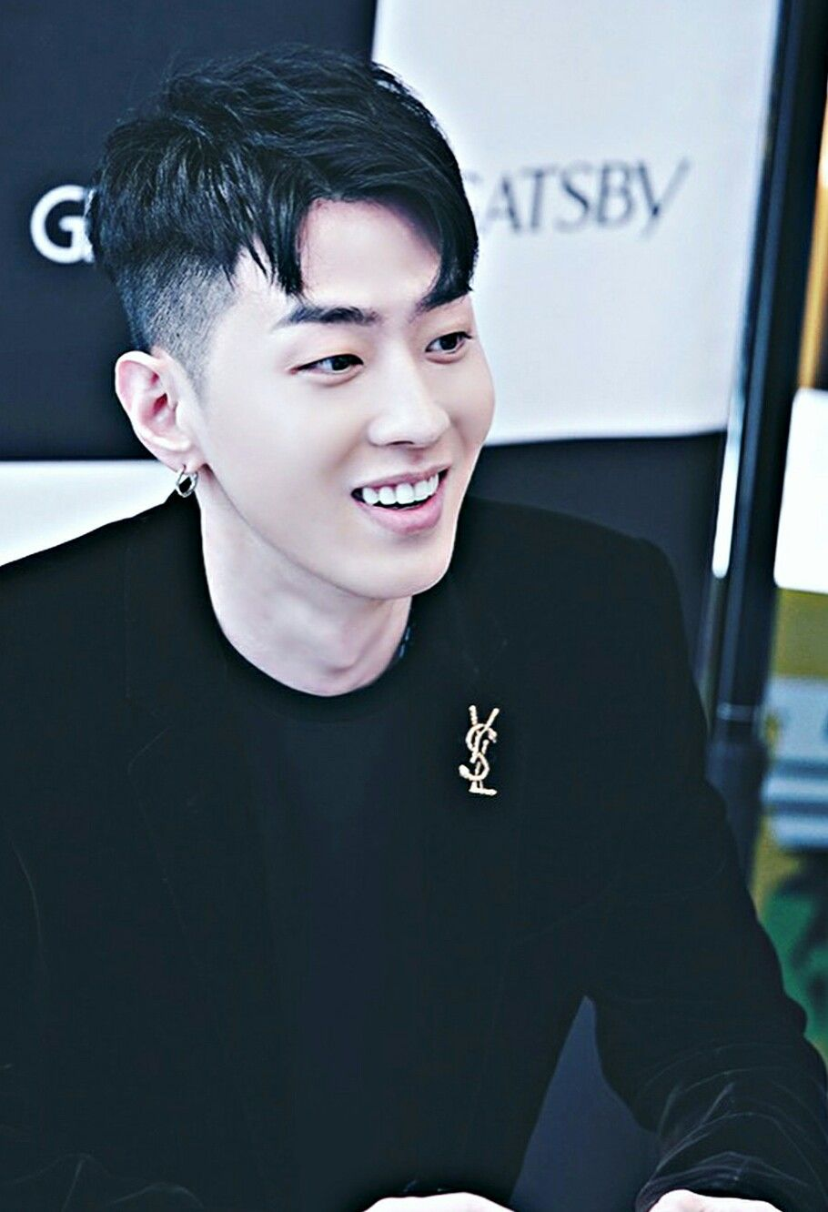 Awww Gray Smile Is So Cutie Gray Aomg Rappers Music Artists