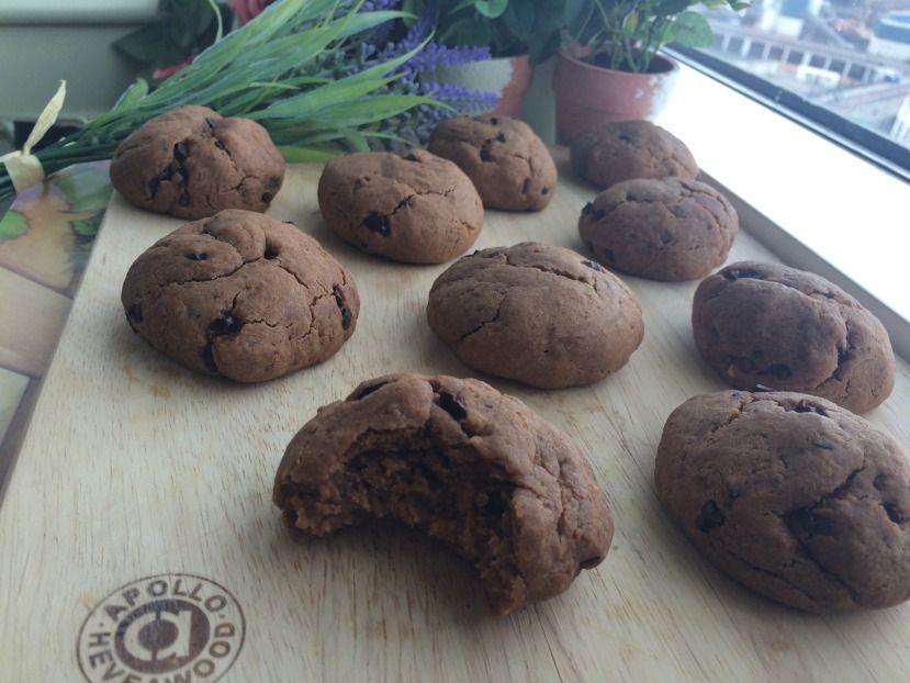 cookie dough cake pops (vegan, refined sugar & nut free).