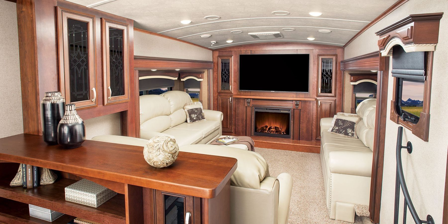 20+ Awesome Camper Fireplace Ideas Luxury rv living