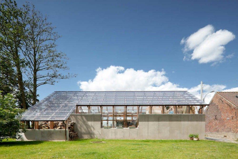 Hay Barn in Zedelgem, Belgium, by Atelier Vens Vanbelle. Photo: Tim Van De Velde
