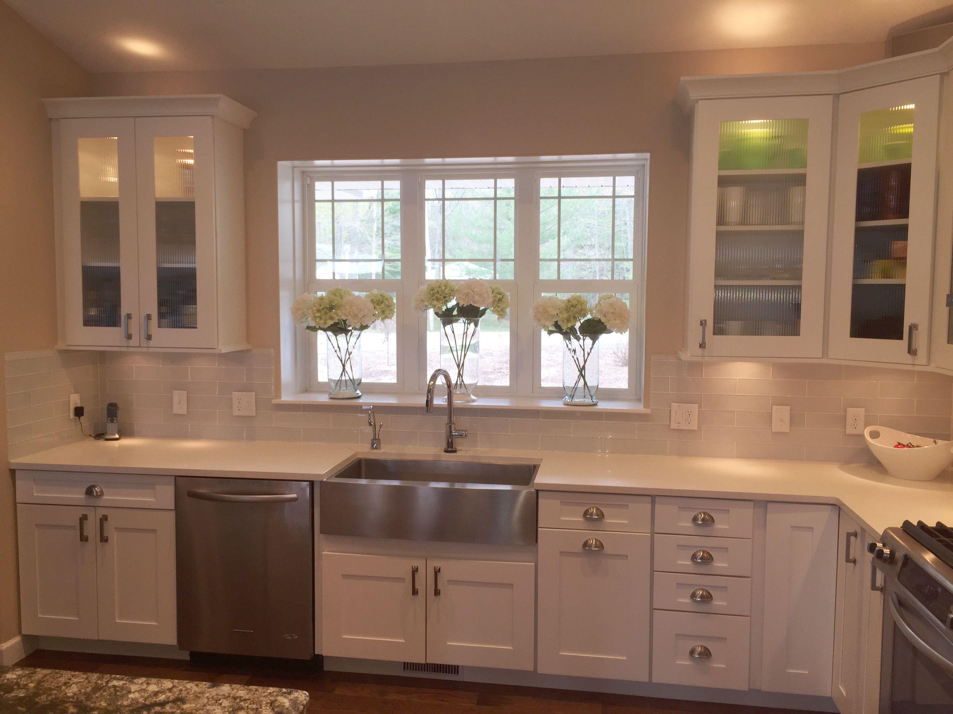 White shaker style kitchen with Hickory Hardware