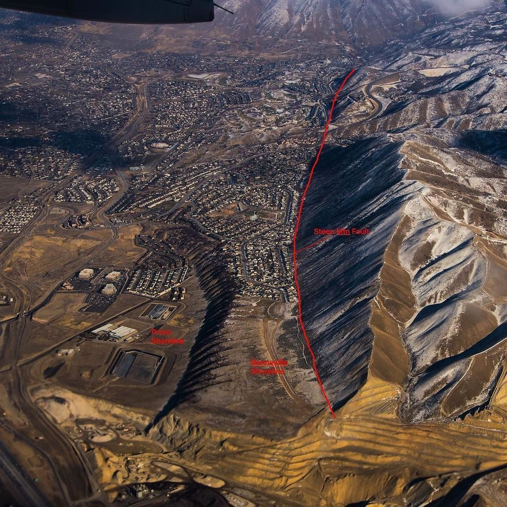 Near Salt Lake City Utah A Splay Of The Wasatch Fault Is Clearly Visible Along The North Northwest Face Of Steep Mountain Geology Geology Rocks Paleontology