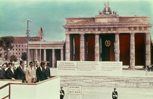 Akg Images West Berlin Berlin Wall Brandenburg Gate