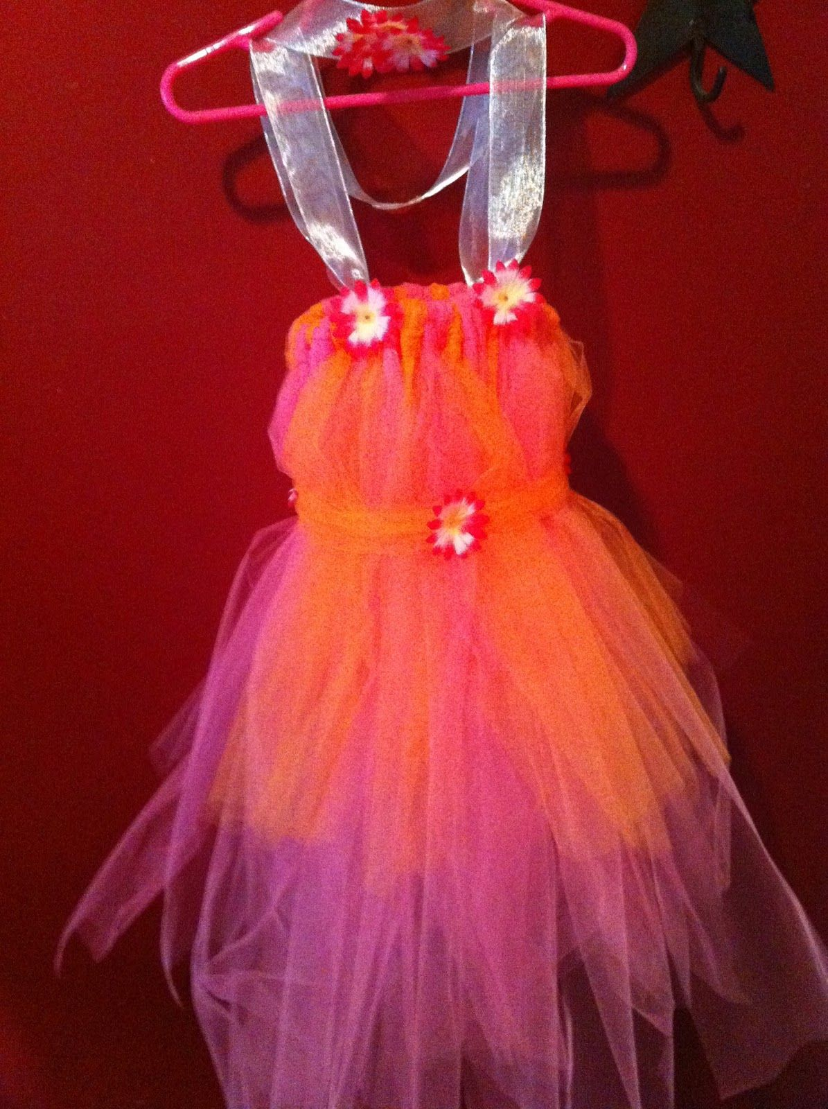 Buzy Bee Buzz: DIY Tutu Dress  double the tulle so it will be even fuller