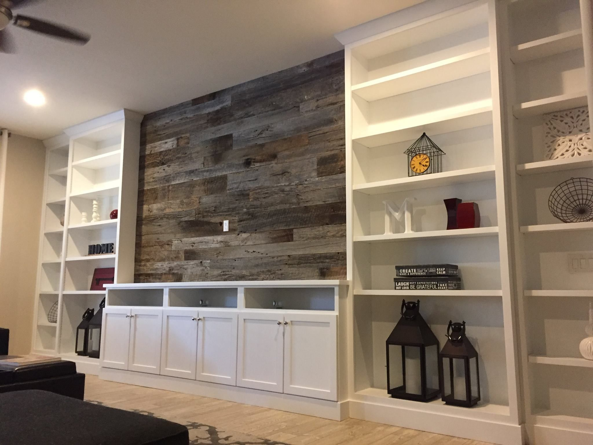 Rustic wall and built ins (With images) | Rustic dining ...