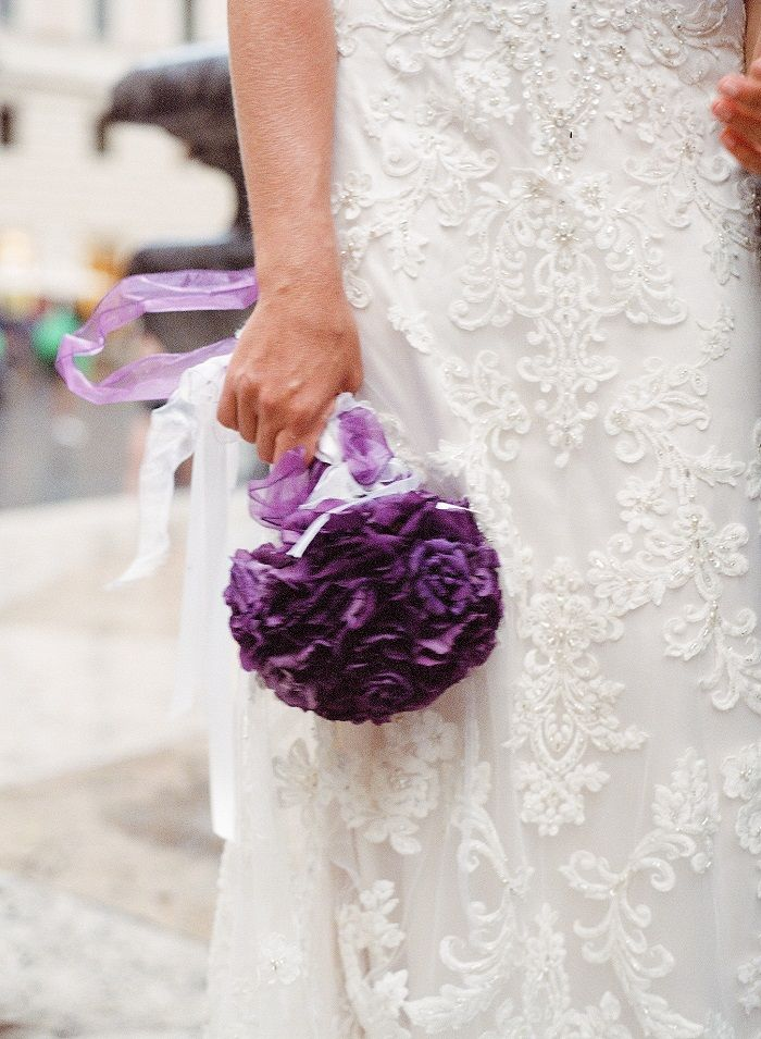 Bride and groom photo shoot + purple bouquet | Romantic Rome Garden wedding | Rochelle Cheever Photography | Fab Mood