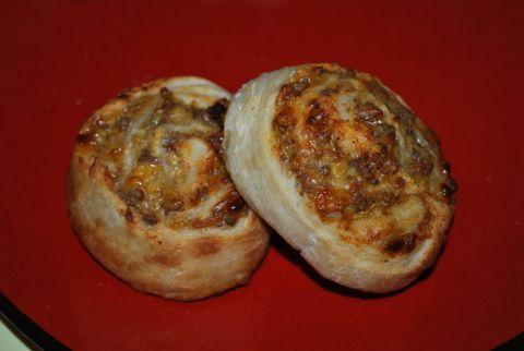 www.writtencreations.com blog 2012 02 17 bacon-cheeseburger-pinwheels