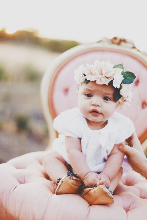 Mother's Day Photo Shoot // Katieboink.com // Baby Love // Flower Crowns