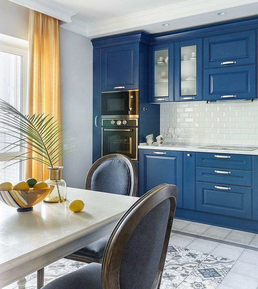 кухня с синими фасадами фото часто себя бежим