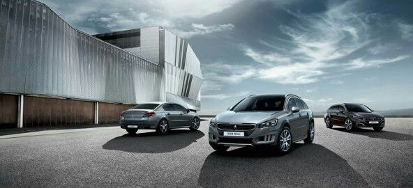 Which version of the #Peugeot508 do you prefer? It's time to make your choice! http://bit.ly/F_Peugeot508