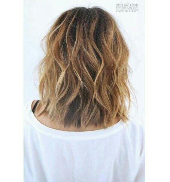 Permanente ondulata capelli corti