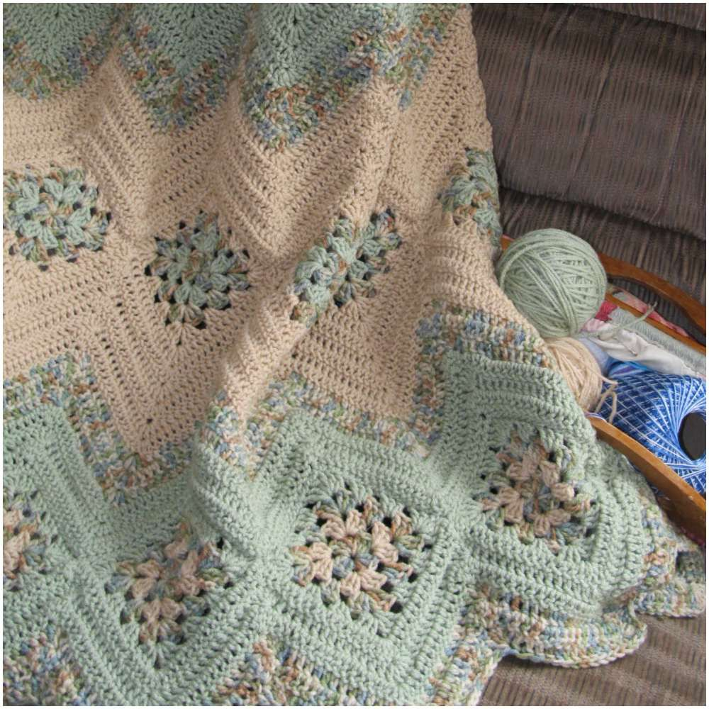 Grannies and Ripples Gorgeous Afghan - Free Crochet Pattern | Manta ...