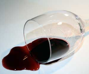 How To Remove Red Wine Stains Stain Removal Red Wine Stains Red Wine Stain Removal Wine Stain Remover