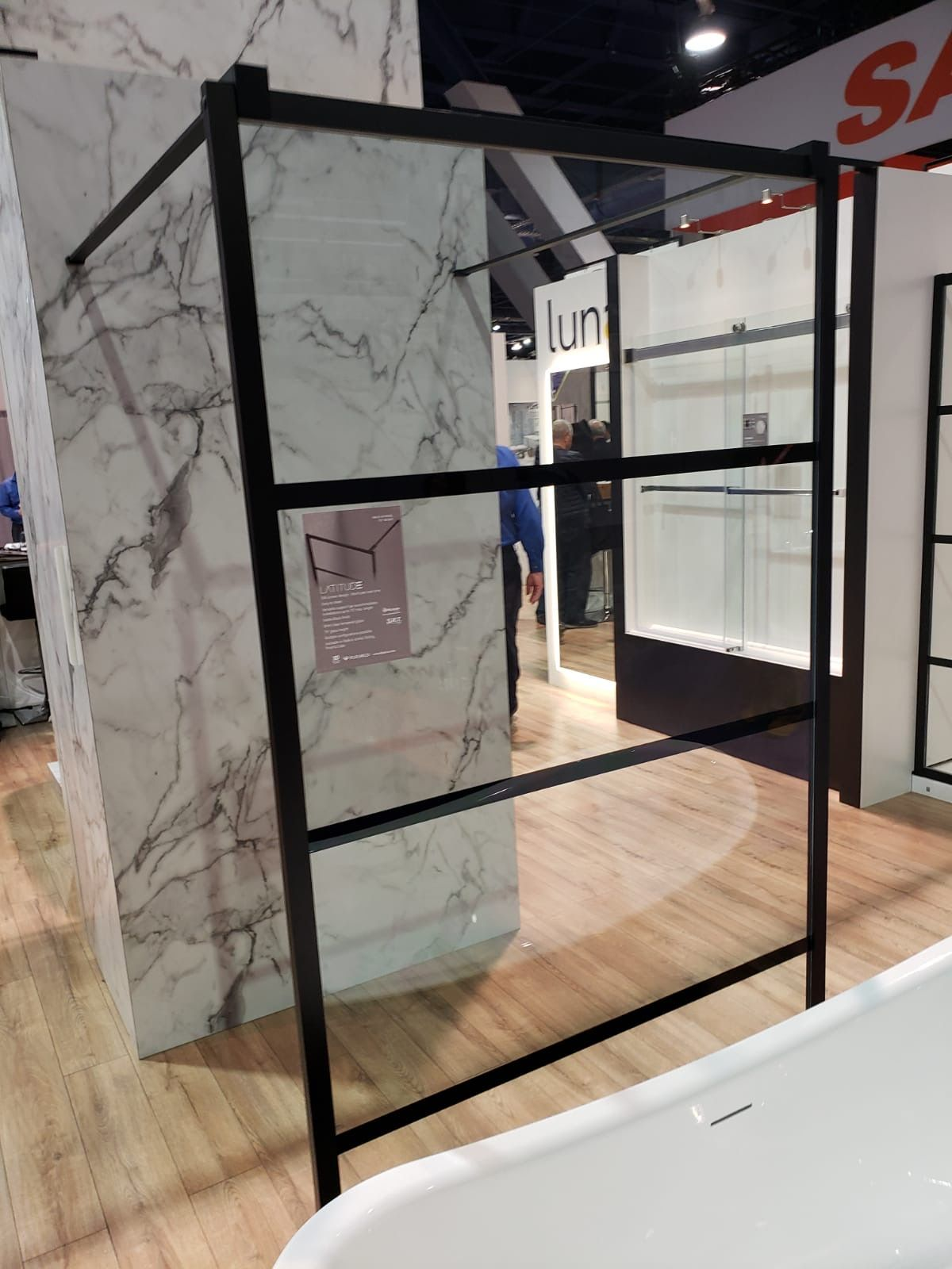 These New Fleurco Latitude Shower Door Styles Captured Our Attention At The 2020 Kitchenbathindustryshow This Week They Give The Effect Of A Grid Door In An In 2020