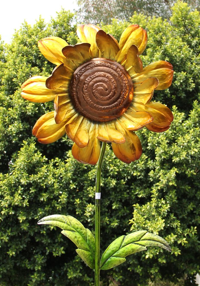 Kinetic Sunflower Garden Stake That Spins With A Gentle Breeze!