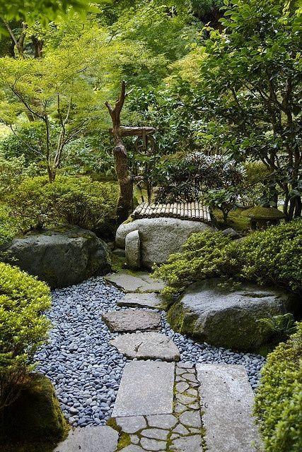 japanese themed garden #japanesegardens #JapaneseGardenTheme #JapaneseGardening #asiangarden
