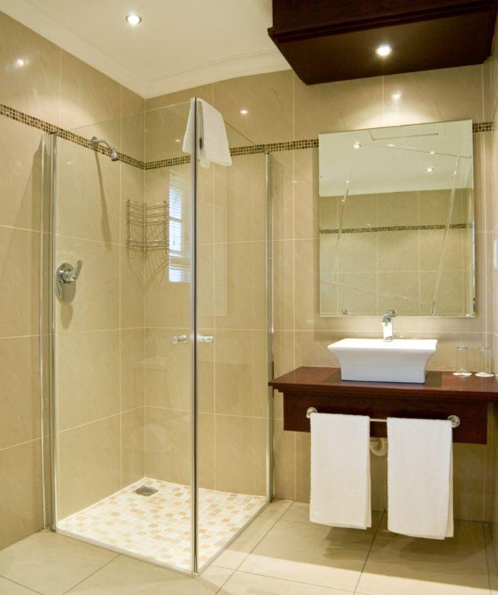 Badezimmerfliesen im Blickfang - 100 Ideen für Designs und ...