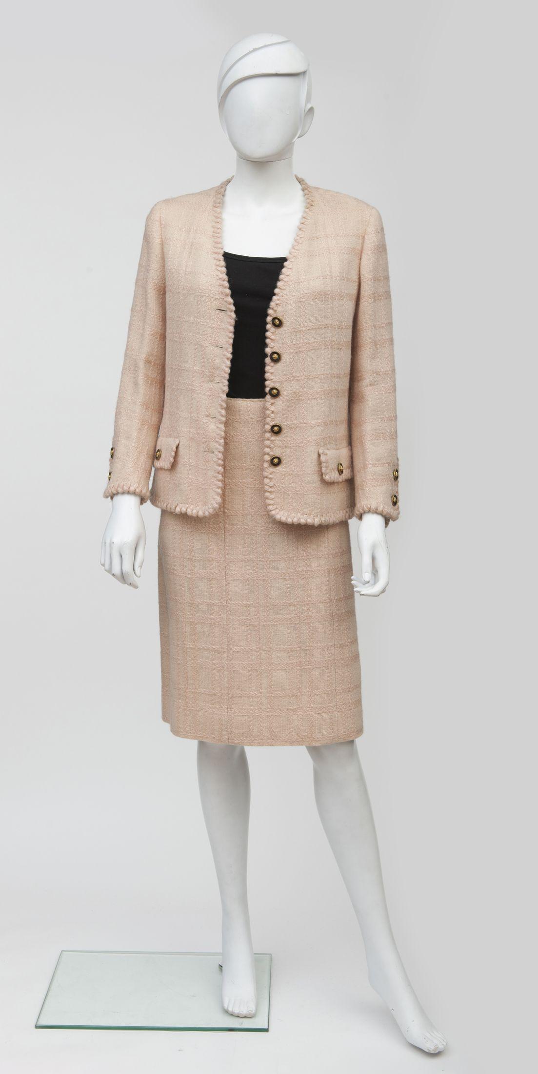 CHANEL Haute Couture N°52333,52334 Circa 1965 70 Tailleur en tweed ... f95f9b8e116