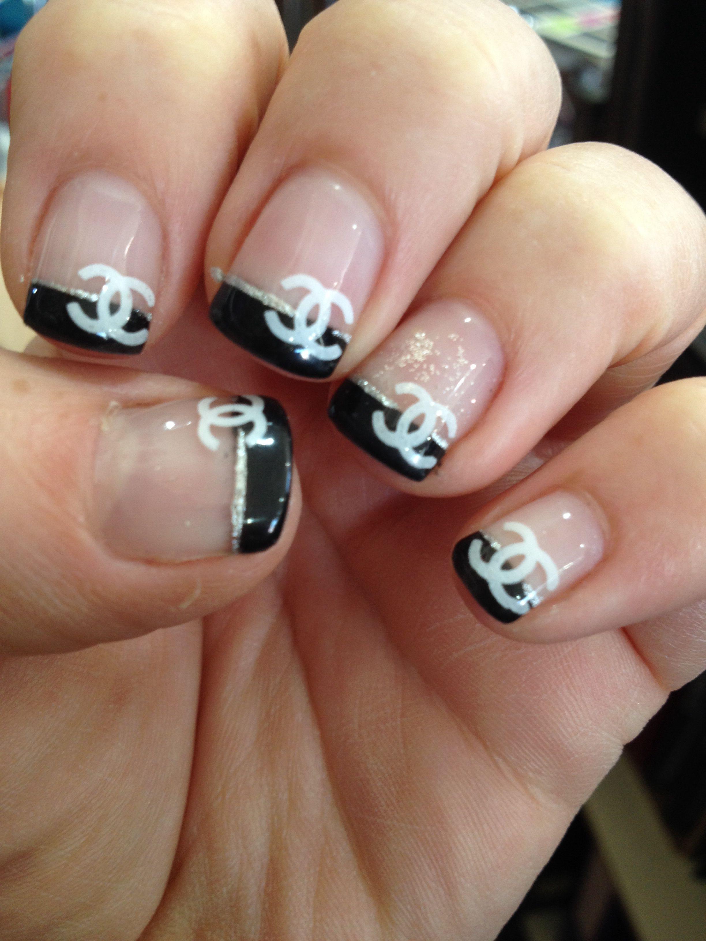ongle Chanel   Ongles chanel, Ongles, Idee ongles