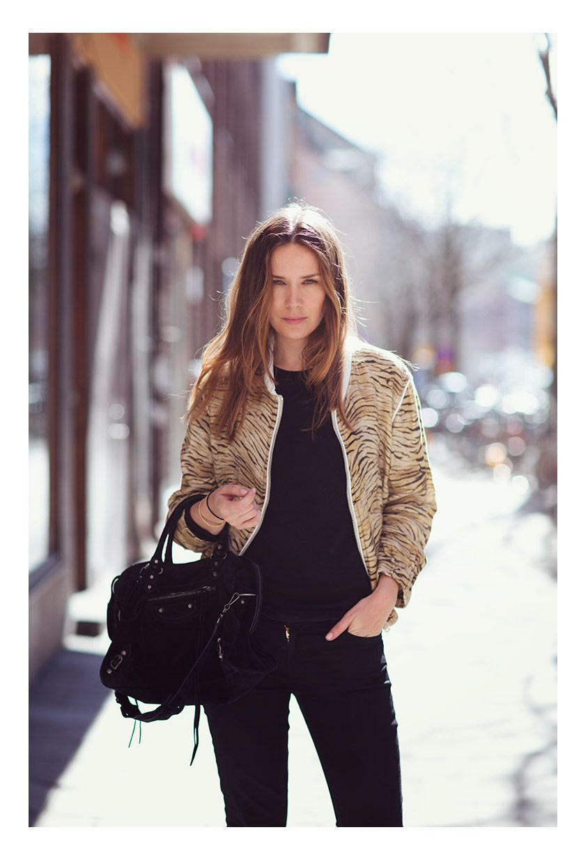 Tiger jacket from IRO (get it here, here or here), bag from Balenciaga, knit from Anine Bing and jeans from 7.