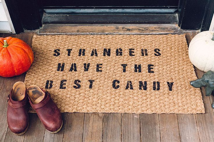 Diy halloween themed door mat for less than 10 looking for a cheap and easy way to decorate for halloween this diy doormat is the perfect project and costs less than 10 to make solutioingenieria Choice Image