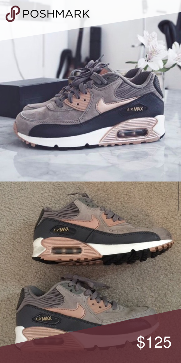 sports shoes 473fb 63aee Rose Gold Nike Air Max 90 7.5 Nike Air Max 90 Made with suede and leather