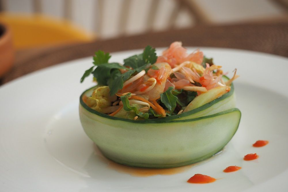 One Of Our Healthy Crunchy Fresh Lunch Options Is Pomelo Salad So Yummy What S Yours