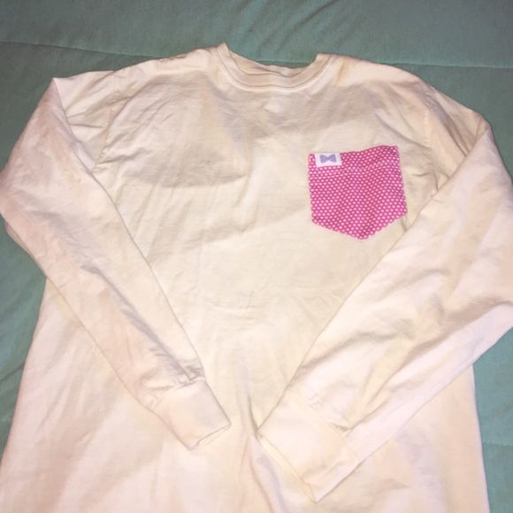 Fraternity collection pocket shirt Cute pocket long sleeve shirt. Has small makeup stain inside of collar. You can't see it at all when wearing. Very cute. Light light yellow shirt. Open to all offers. Listed to vineyard vines for exposure Vineyard Vines Tops Tees - Long Sleeve