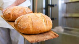 Is A Steam Bath The Secret To Baking Better Bread Bread Baking Food Bread