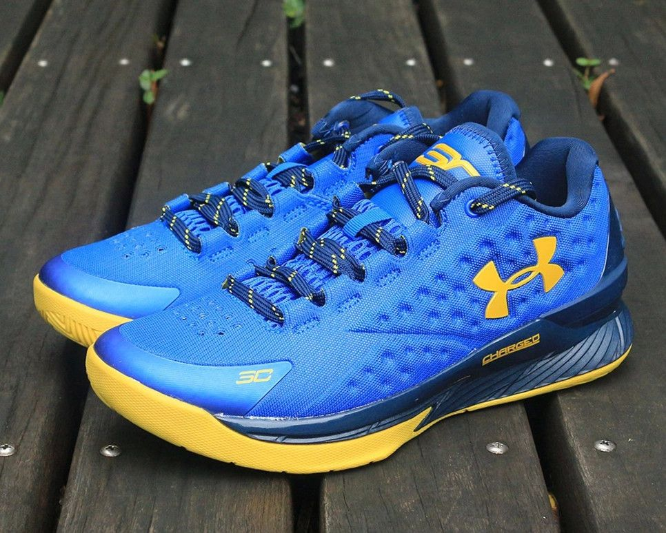 8cb34e001a7 switzerland under armour curry one 1 low home 144d6 a3381