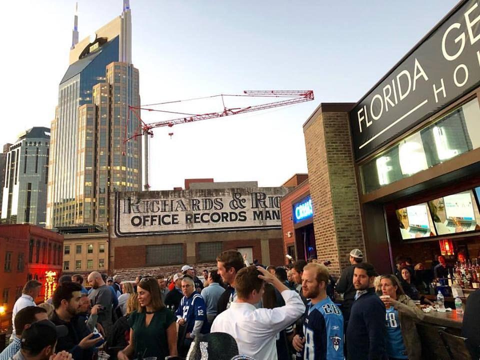Fun Things to Do: Celebrity Bar Crawl | Nashville Guru