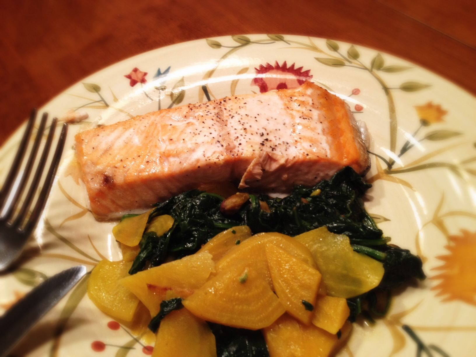 Salmon With Spinach and Golden Beets: 11/26/13