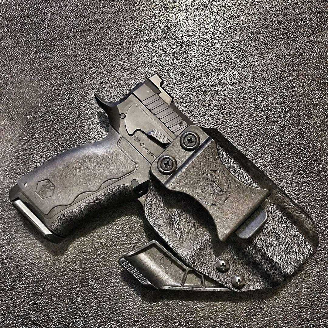 Holster love from the infamous @the_glocktor with Carrying