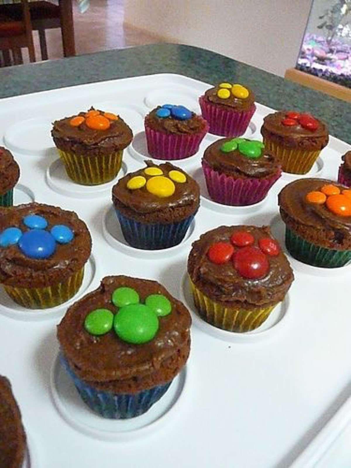 cupcakes con rocklets normal y mini para hacer la patita pawpatrol valen pinterest. Black Bedroom Furniture Sets. Home Design Ideas