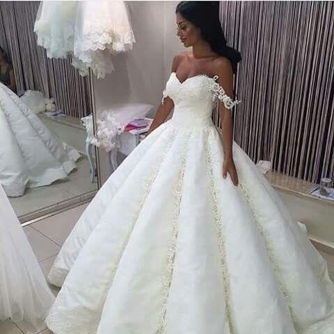 Pin von Tyara Butler auf wedding | Pinterest | Hochzeitskleider ...