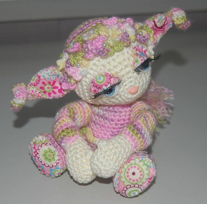 Belly gemaakt naar patroon van Esther Emaar.