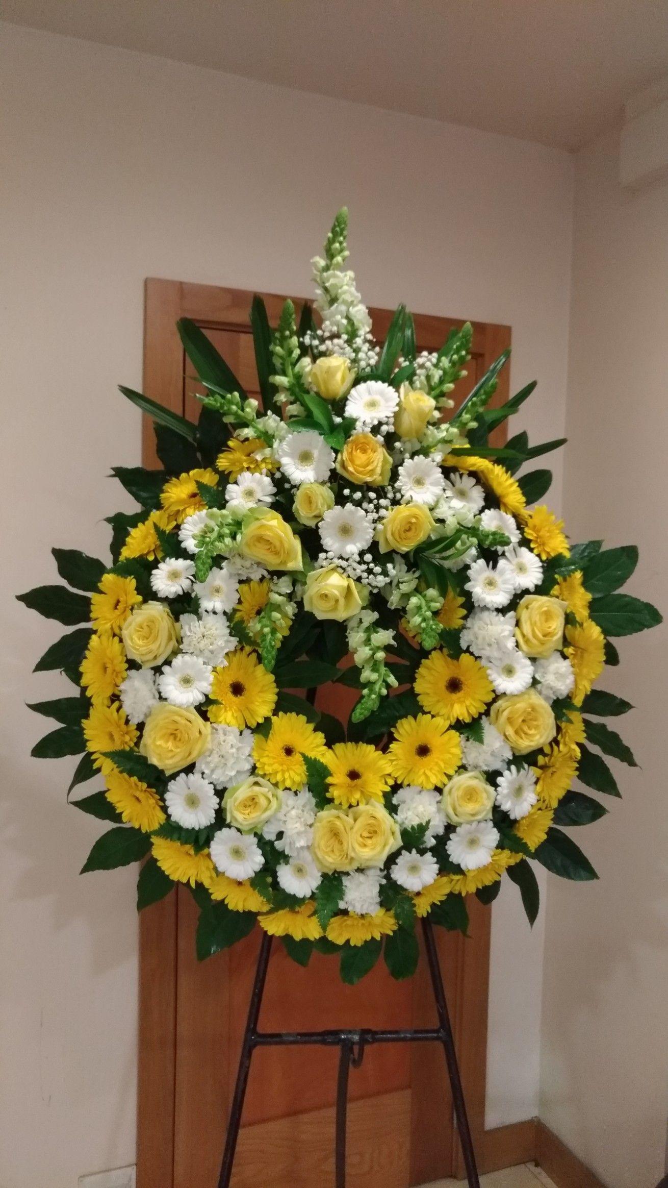 Pin De Melu Blanco En Arreglos Funeral Arreglos Funerales