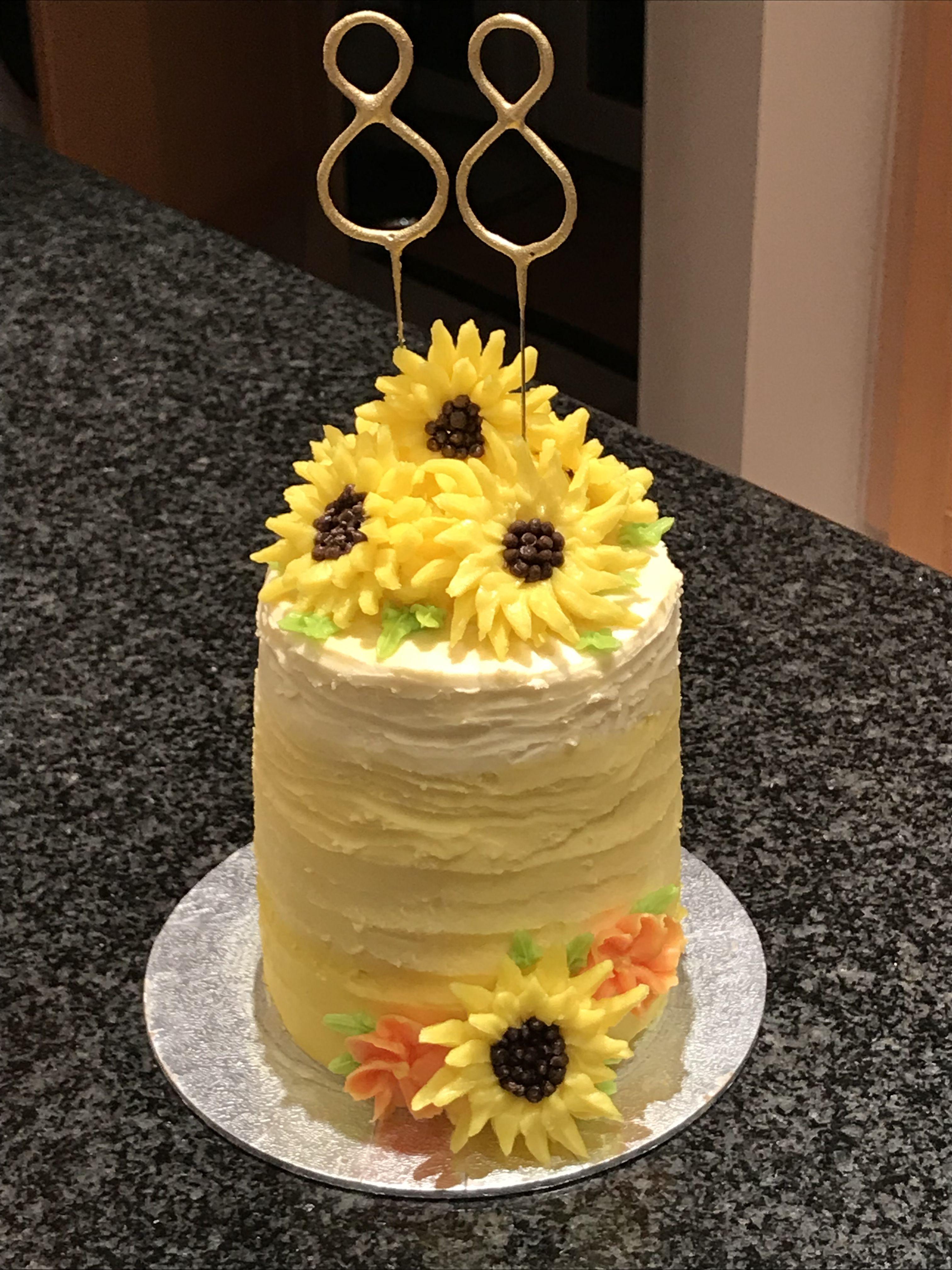 Sunflower birthday cake | Cake decorating, Sunflower ...