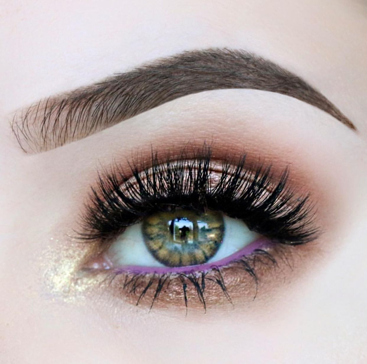 Voluminous lashes that will have you feeling extra bossy