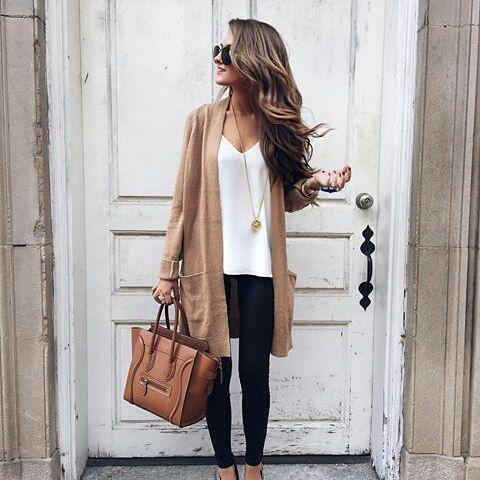. . #Kylie #kyliejenner #makeup #anastasiabeverlyhills #eyeshadow #nashville  #fallfashion #mannequinchallenge #dreamkardashian #jewelry #fashionblog #makeupaddict #amrezy #hudabeauty #makeupvideos #nails #nail #tutorial #makeuptutorial #fashion  #kimkardashian #lipstick #lips #style #countrygirl #makeupfreak #eyebrows #fashionblogger #jessiejamesdecker #glam