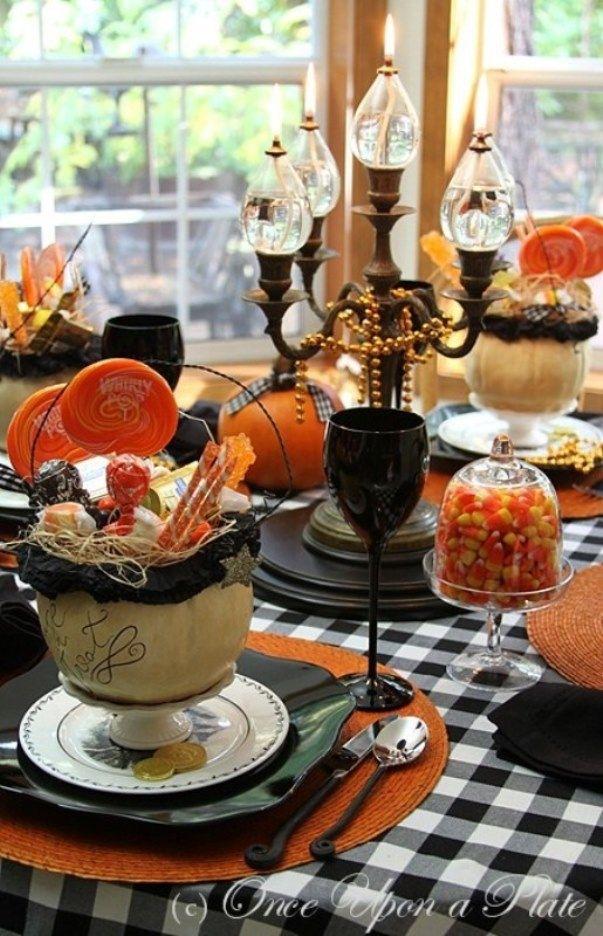 awesome-halloween-table-decor-ideas Tablescapes  Party Ideas - funny halloween decorating ideas