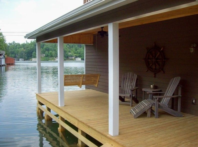 Pontoon boat included with rental - Lake Lure House Rental