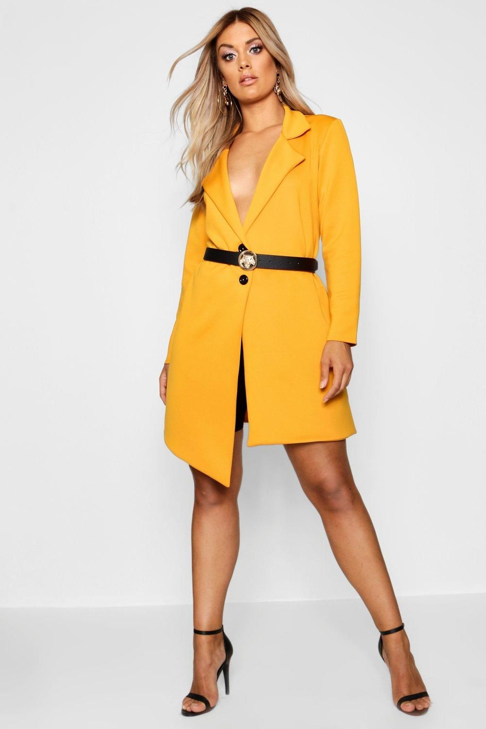 9725f36b13b Click here to find out about the Plus Isabelle Asymmetric Detail Blazer  Dress from Boohoo