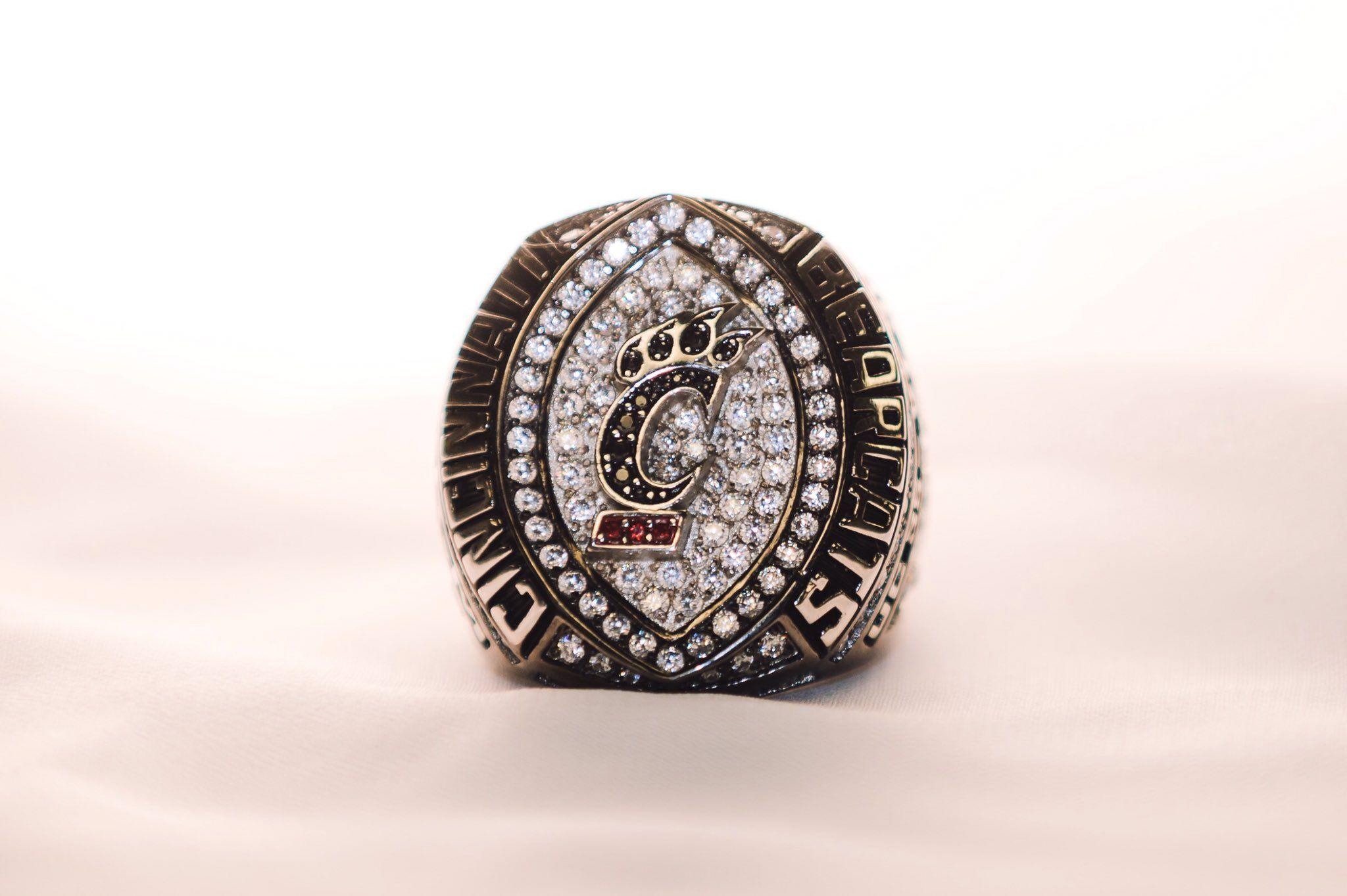 College Rings in 2020 College rings, Rings, Cincinnati