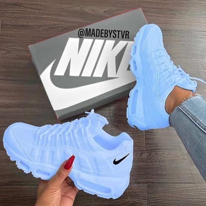 Image in Nike collection by Fashion and beauty | Nike shoes