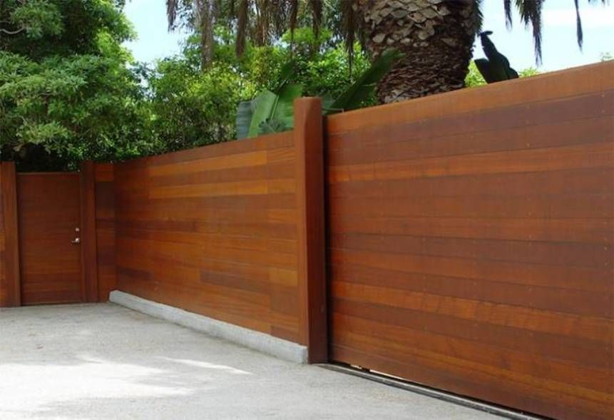 Wooden Fences With Gate : Horizontal Wooden Fences ...